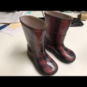 Authentic Burberry rain boots.23/24, 6/7 US.Girls